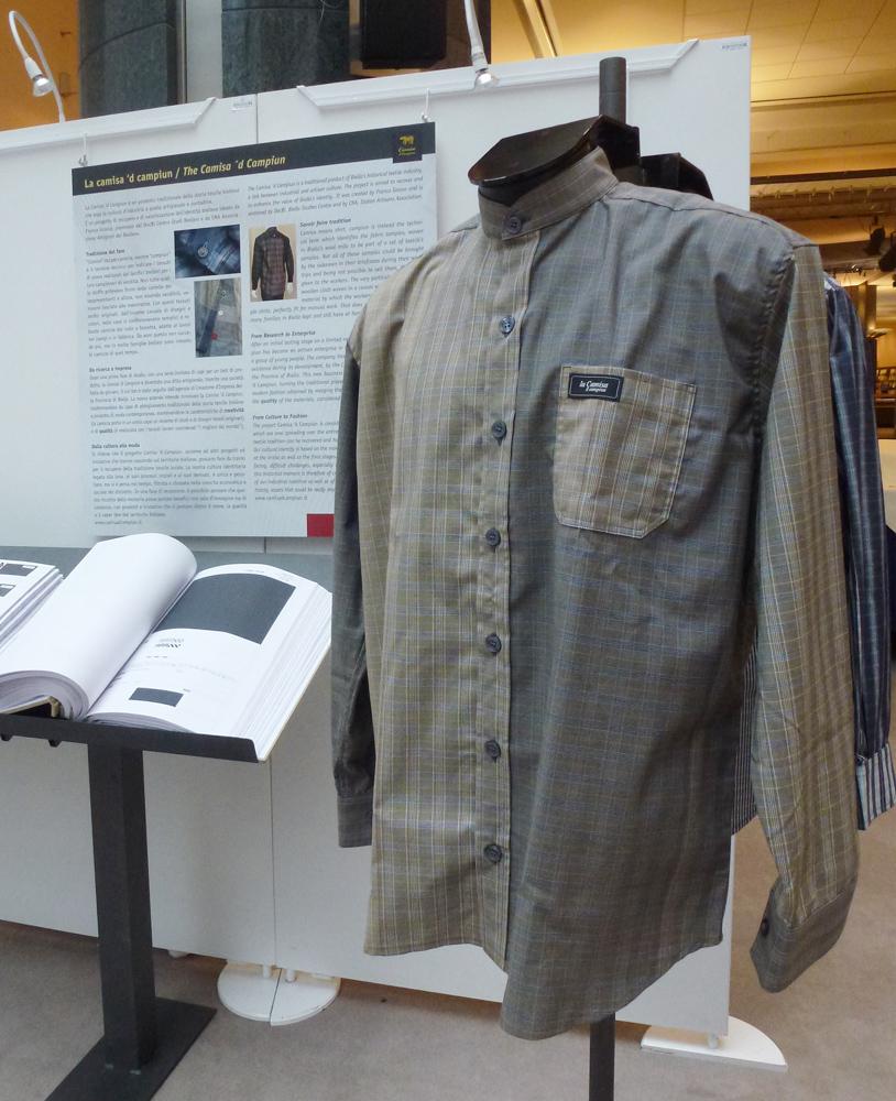 <b>La &quot;Camisa &#039;d campiun&quot; esposta a Bruxelles in occasione della mostra &quot;Campioni in stoffa&quot;</b><br />
