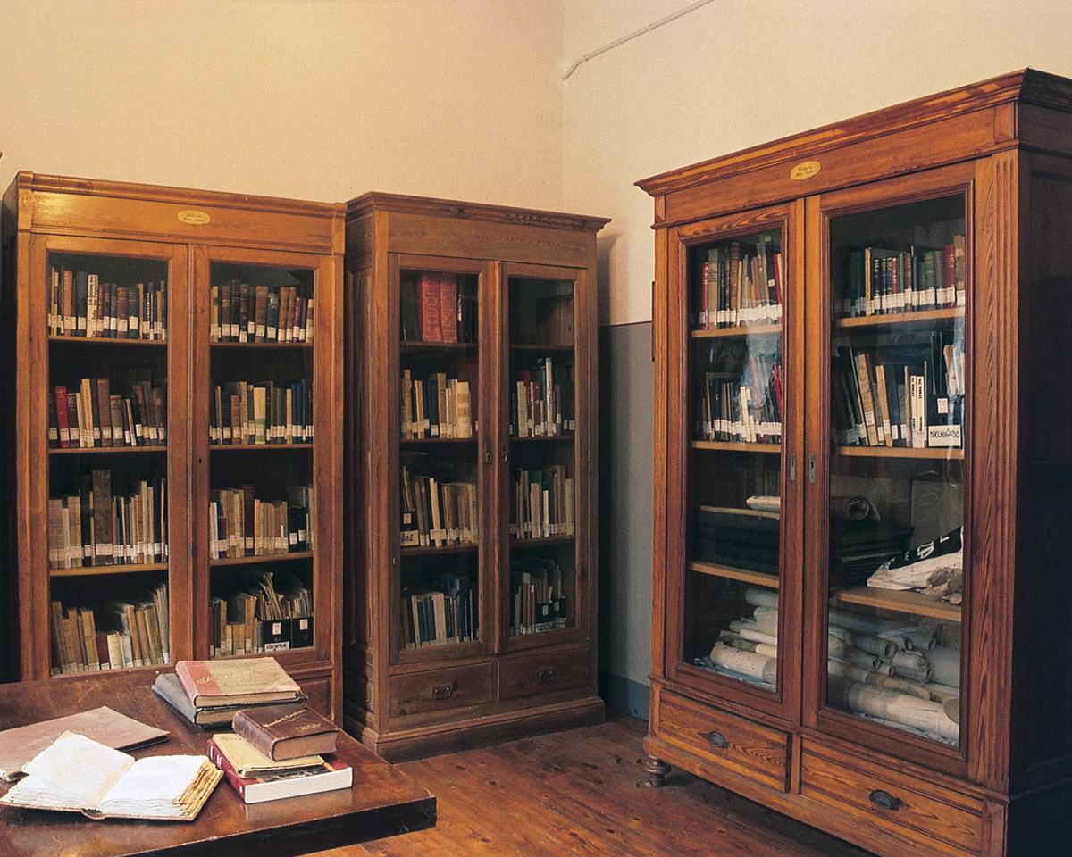 <b>La Biblioteca Mario Sodano presso il Centro di Documentazione dell&#039;Industria Tessile</b><br />