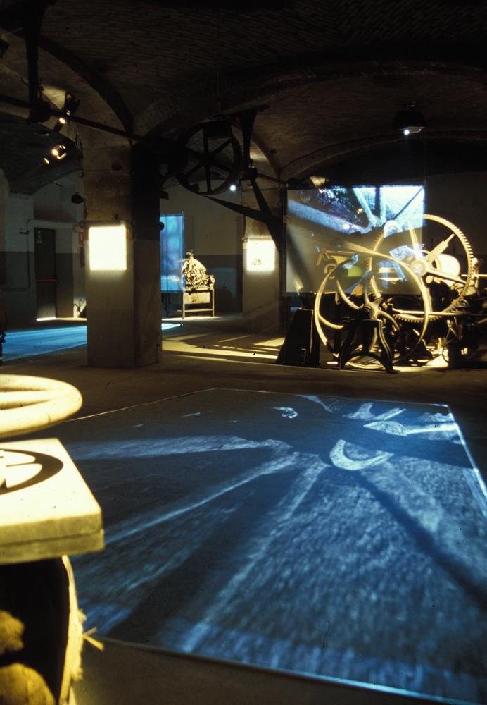 <b>La mostra &quot;Sul filo della lana&quot; curata da Philippe Daverio; allestimento alla &quot;Fabbrica della ruota&quot;</b><br />