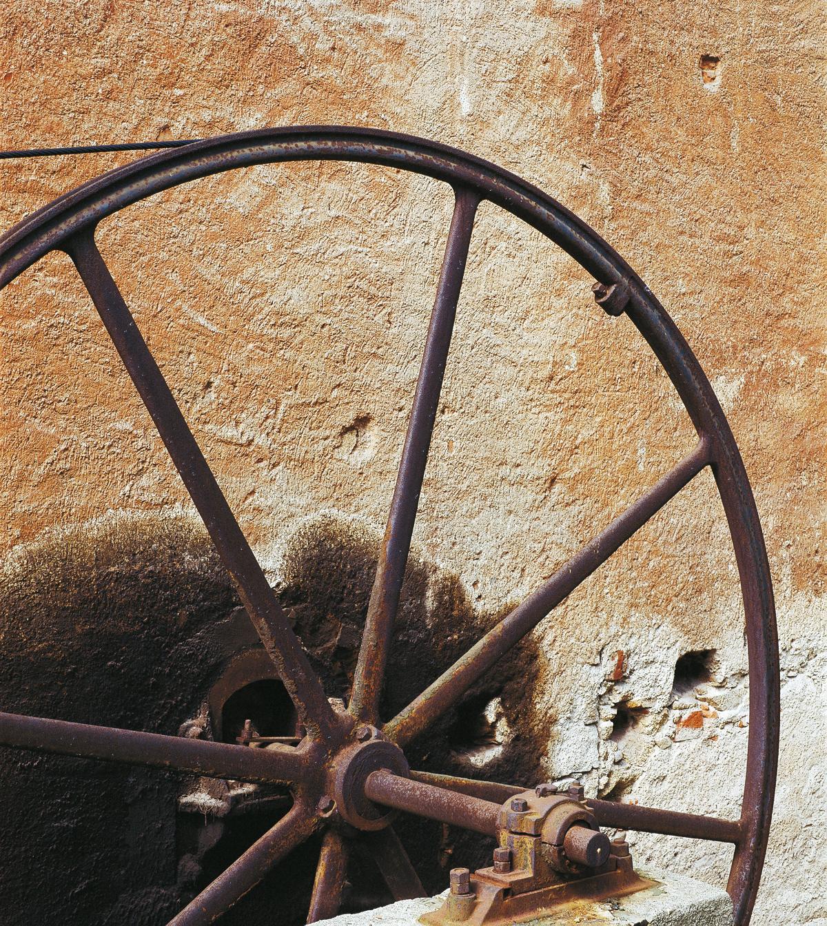 """<b>Pray Biellese, """"Fabbrica della ruota"""", ex lanificio Zignone: la ruota di trasmissione</b><br />foto Fabrizio Lava"""